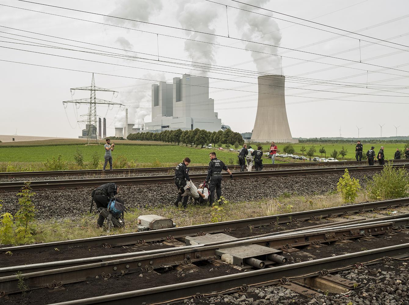 Kohlebahn Blokade am Kraftwerk Neurath