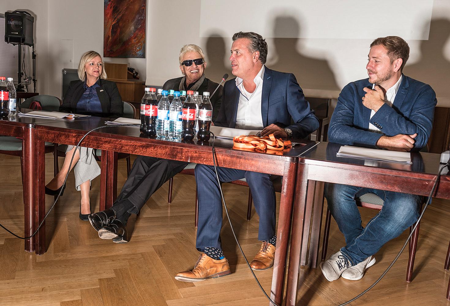 mit Bürgermeisterin und Investoren bei der Jahrespressekonferenz des City Outlet
