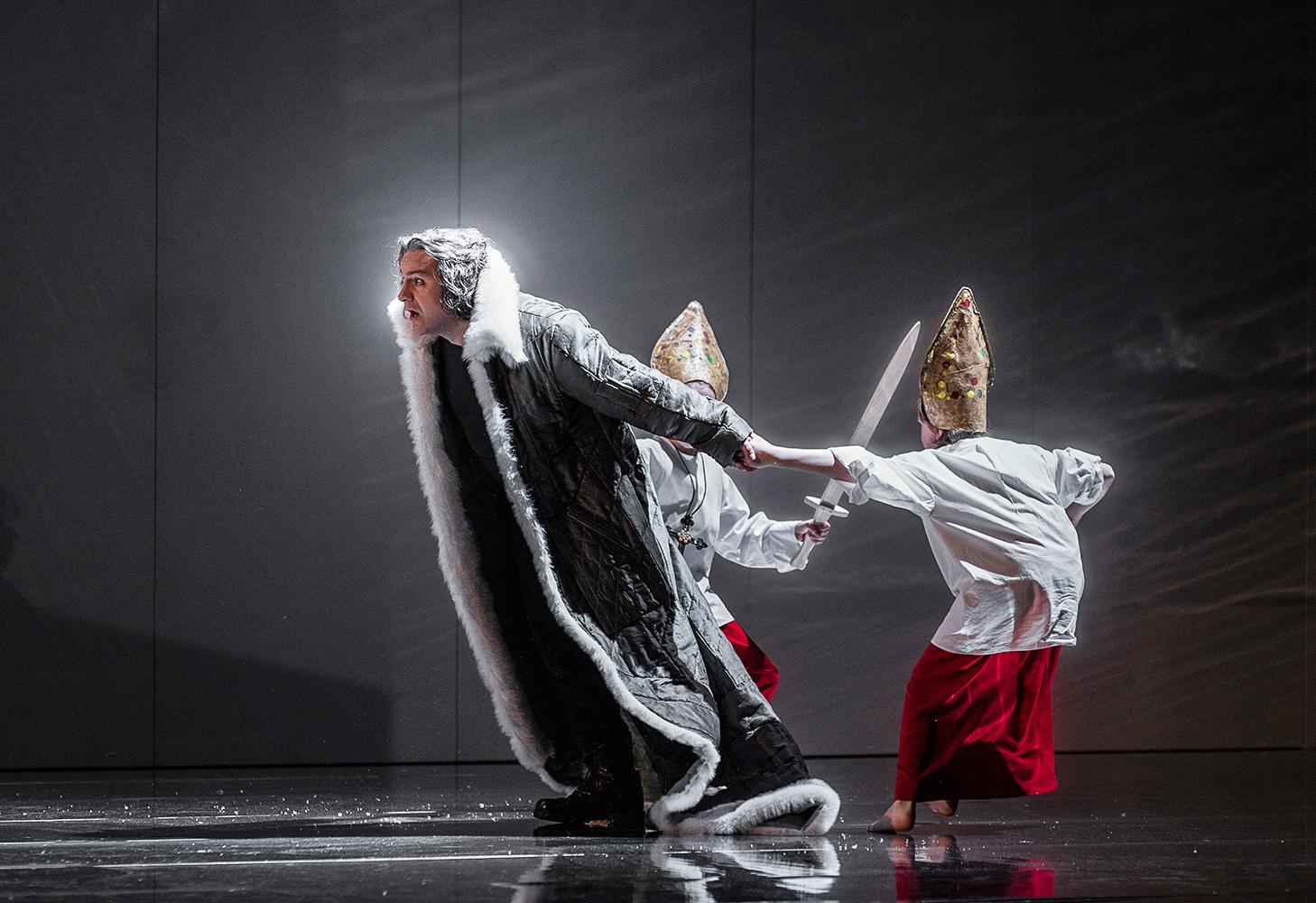 """Le Propéte"", G.Meyerbeer, Opernhaus Essen, Inszenierung: Vincent Boussard"