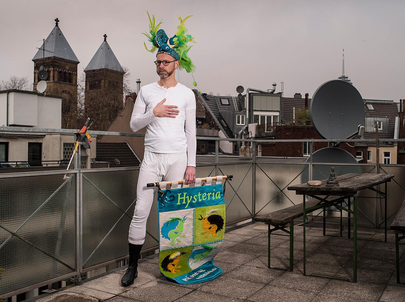 KG Hysteria, Thomas Wallenhorst
